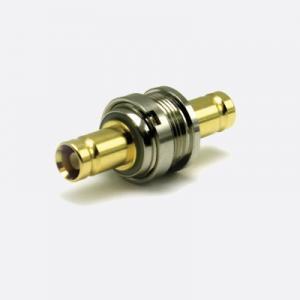 Mini-BNC DIN 1.0/2.3 naaras-naaras läpivienti